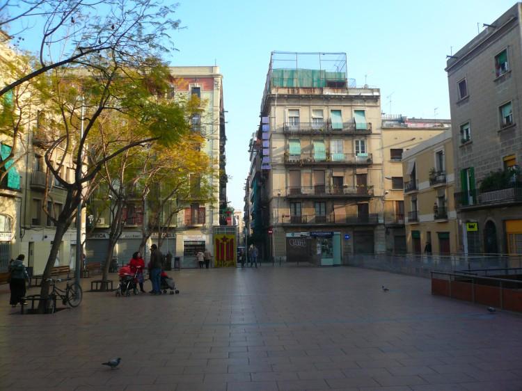 Plaça_de_la_Revolució_P1140981.jpg